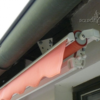 Montáž markýzy do krovu